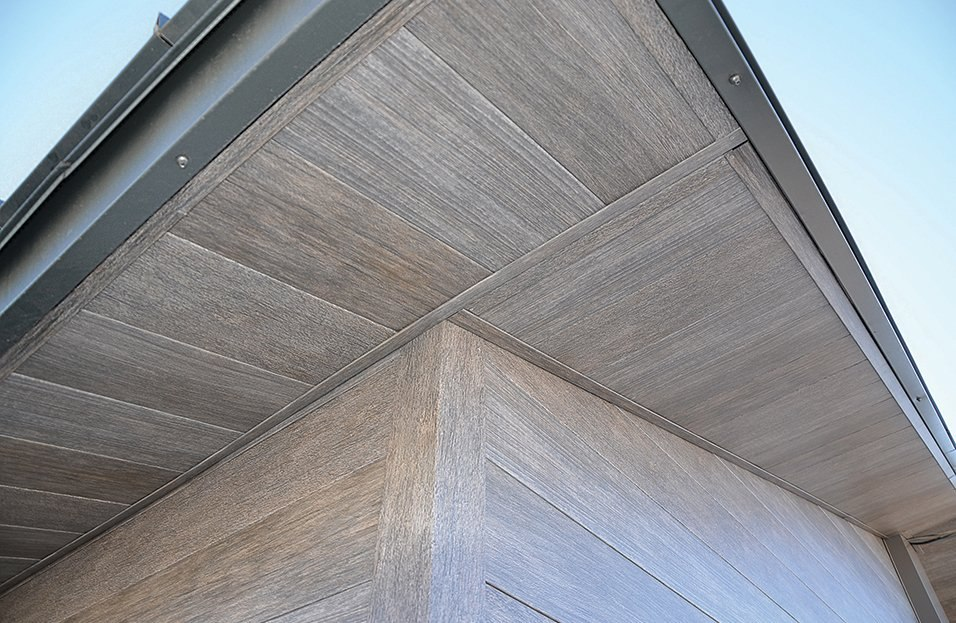 04-distressed-lumber-metal-panels