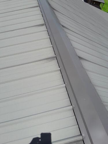 do metal roofs fade over time