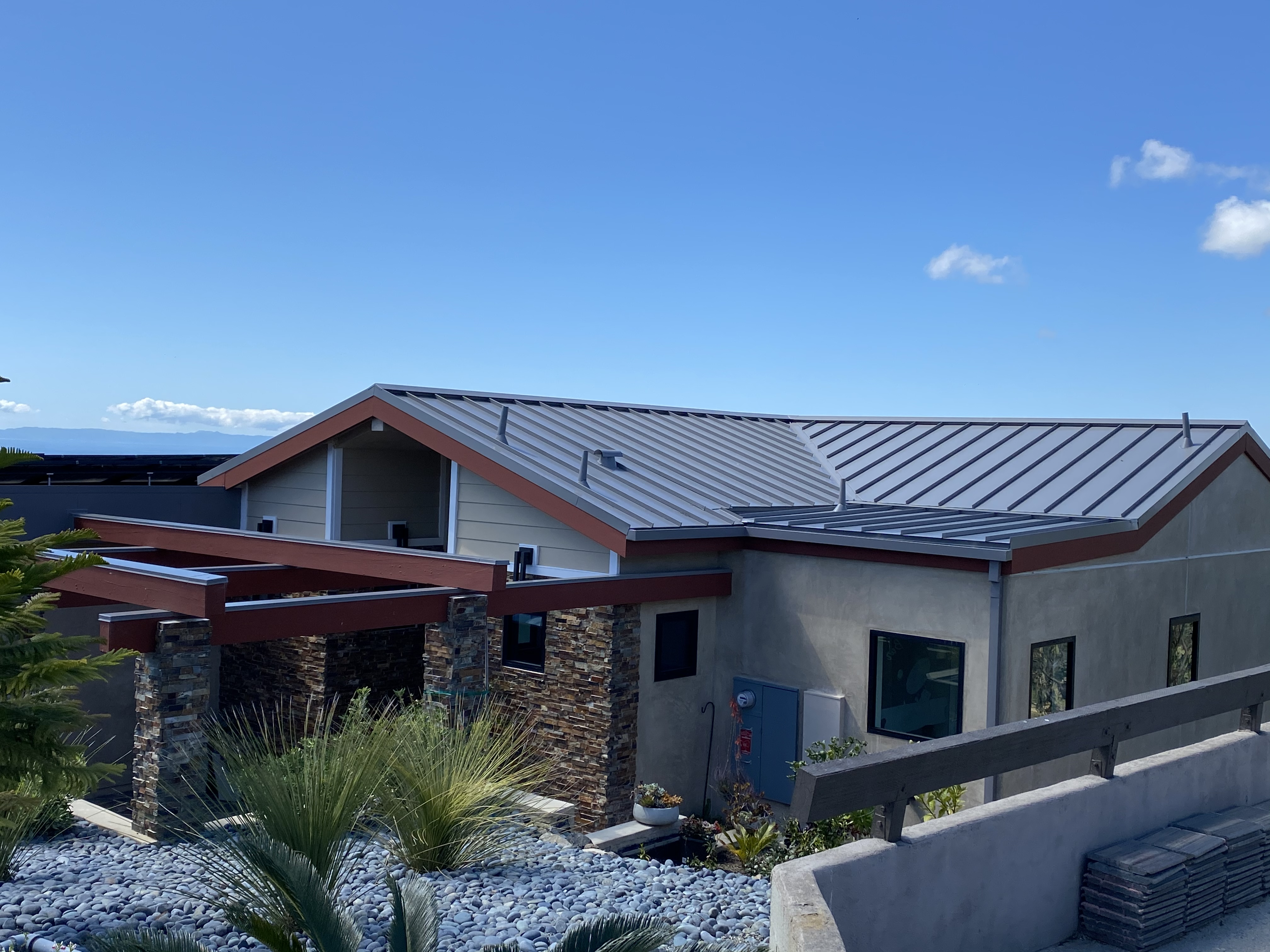 Gray metal roofing pic