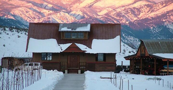 snow-country-metal-roof