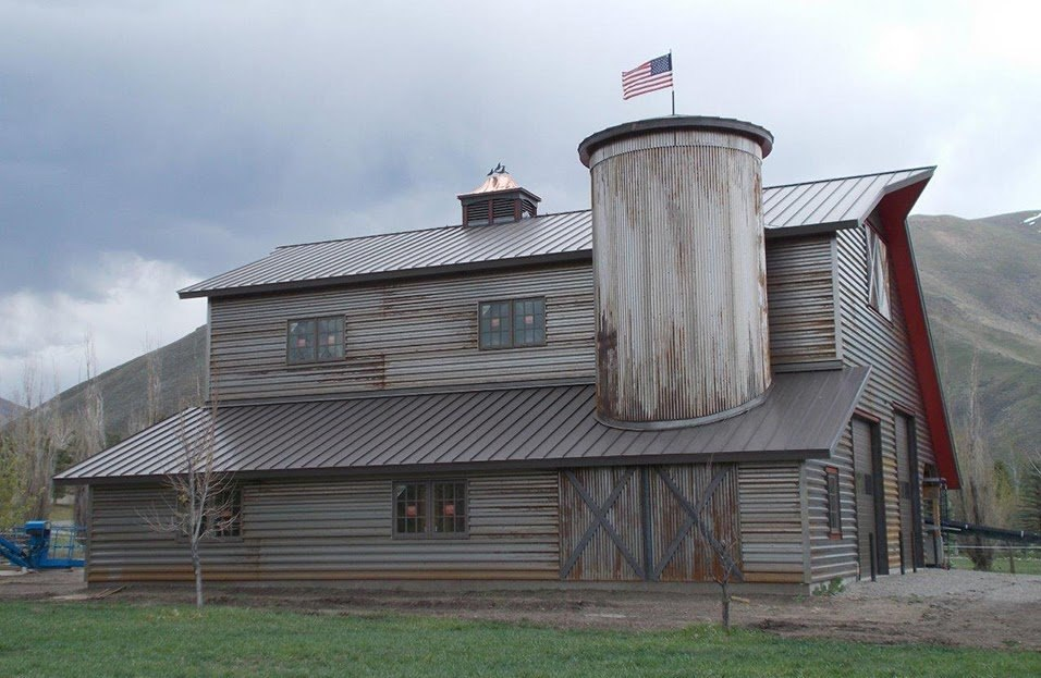 Metal Siding & Roofing For Barns: Cost, Options, & Best Panels