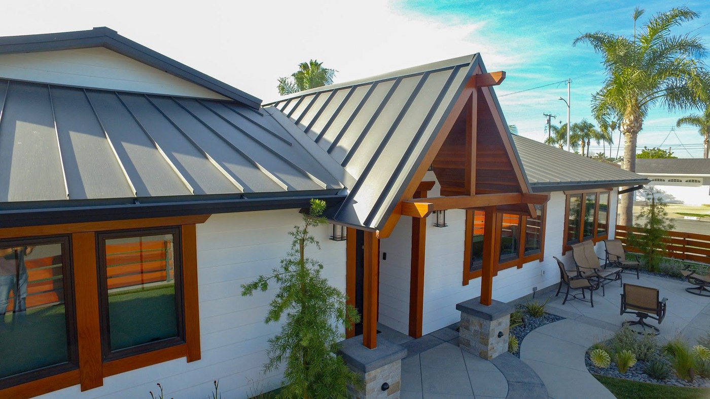 Standing Seam metal roof in Black Ore Matte®