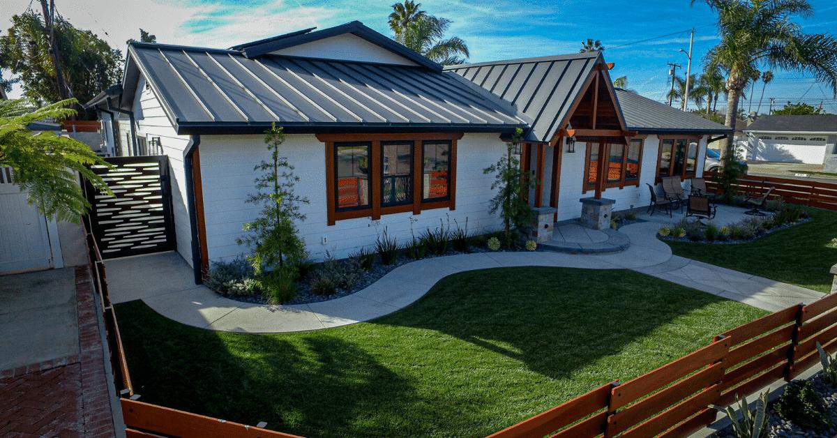 Standing Seam metal roof in Black Ore Matte®
